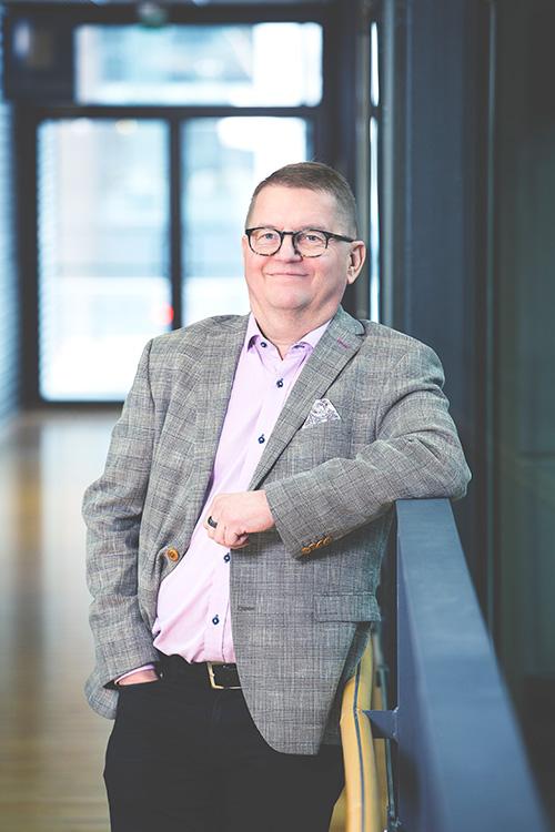 Teppo Salmikivi -henkilökuva